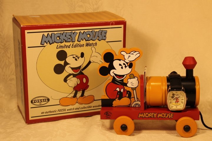 Fossil Mickey Mouse Watch & LE & Toy Train