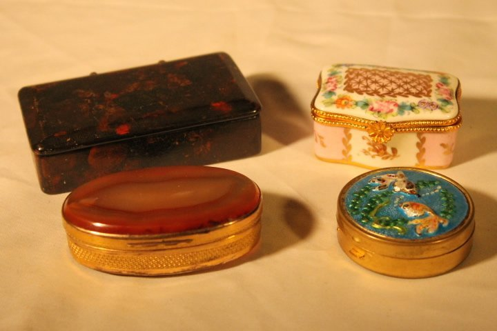 Lot of 4 Pill & Snuff Boxes