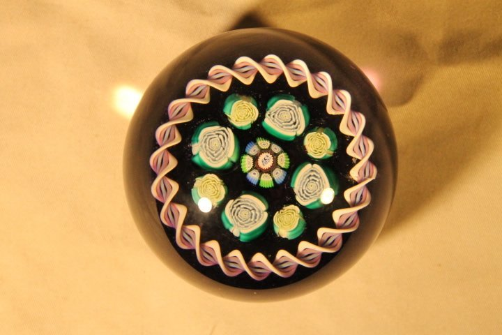 Paperweight, PCA 2001