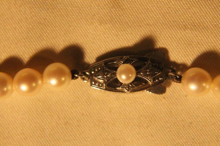 Mikimoto Pearls in Box - 4
