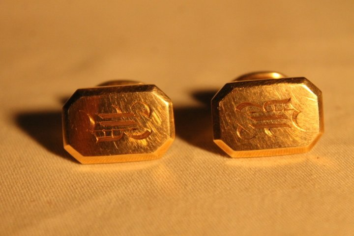 2 Sets of 14kt Gold Cufflinks - 2