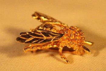 Bee Shape 14kt Gold Brooch pin - 3