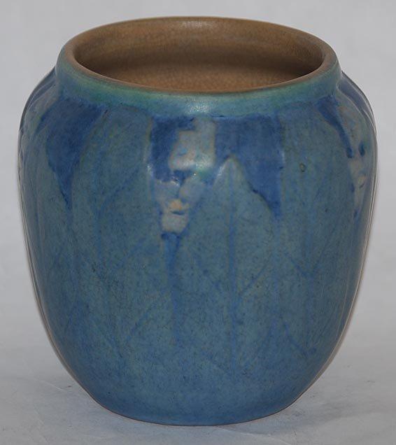 13: Newcomb College Pottery 1925 Vase (Irvine)