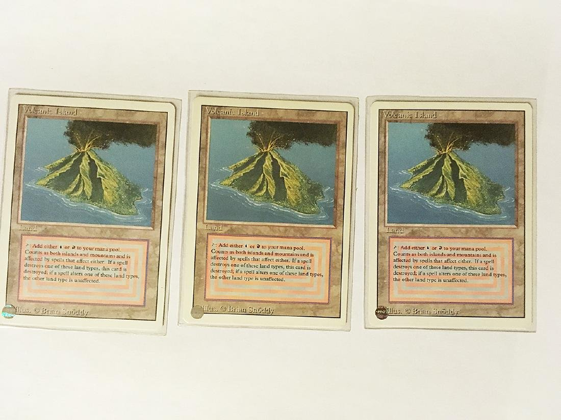 3 MTG Volcanic Island Cards