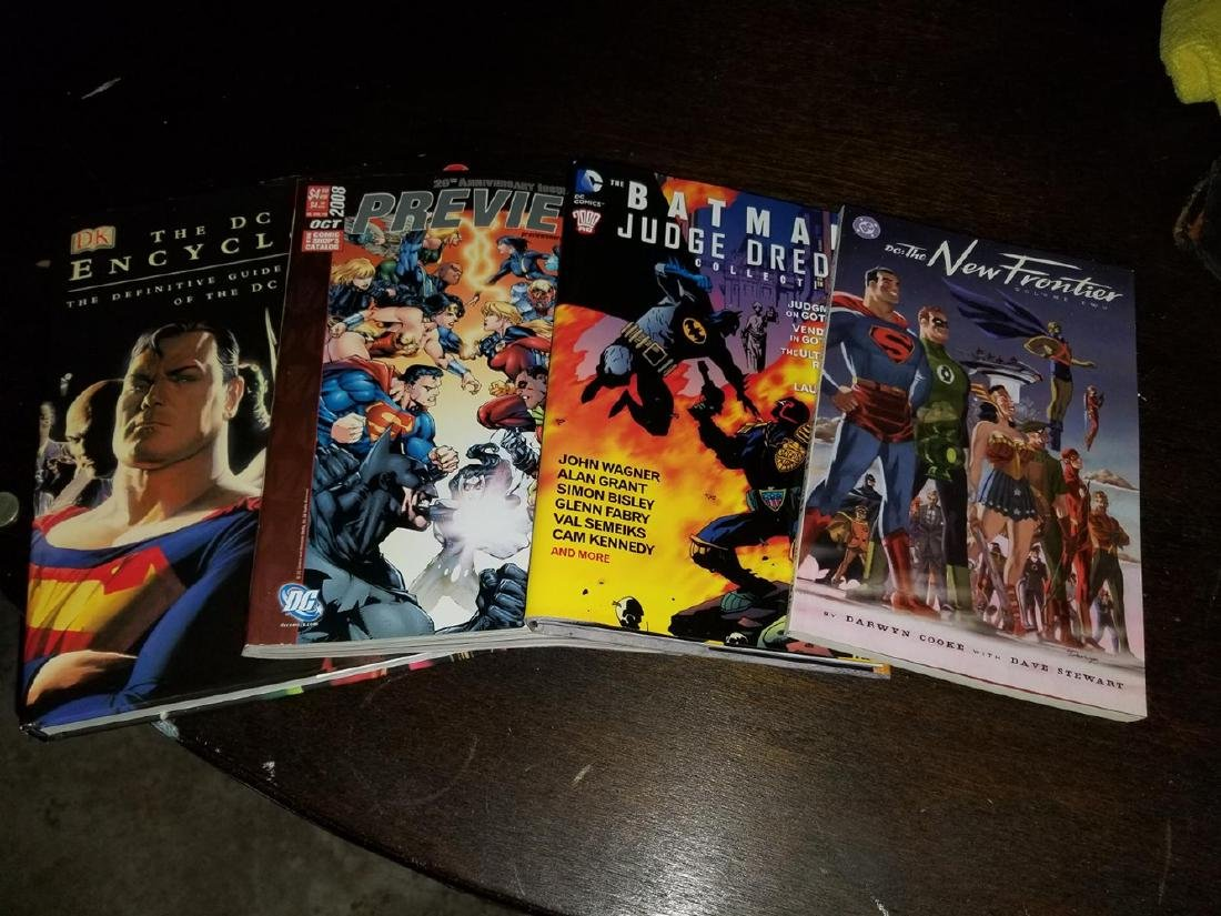 Estate Lot Including Comic Books - 10