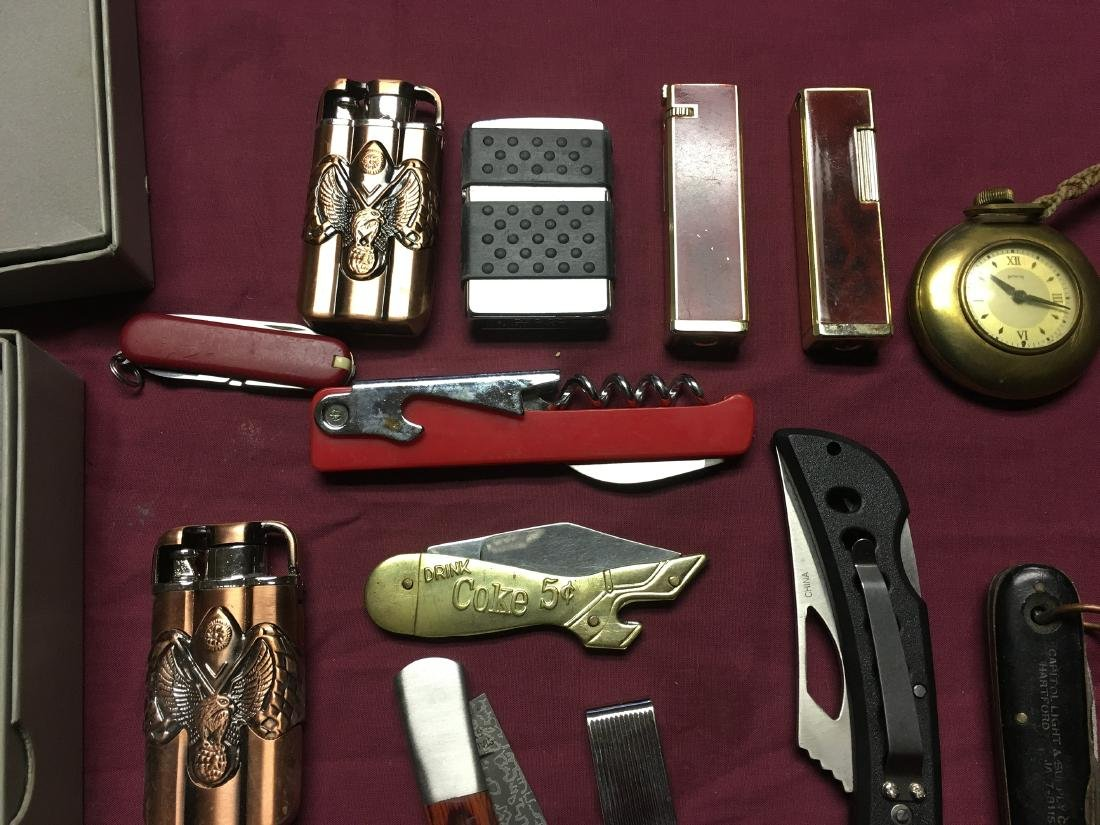 Estate Pocket Knives and Medals - 3