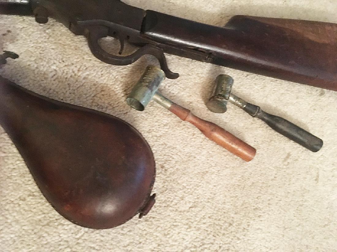 Squirrel Gun, Flasks, Powder Horns - 4