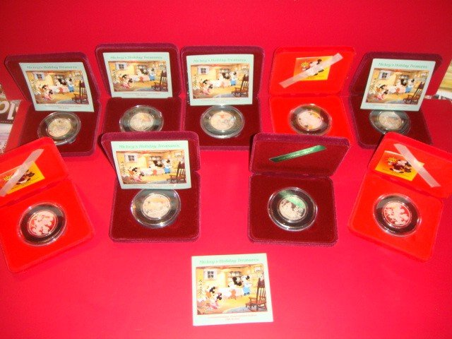 """2: Collection of 9 Mickey Mouse Holiday Treasures. """"999"""