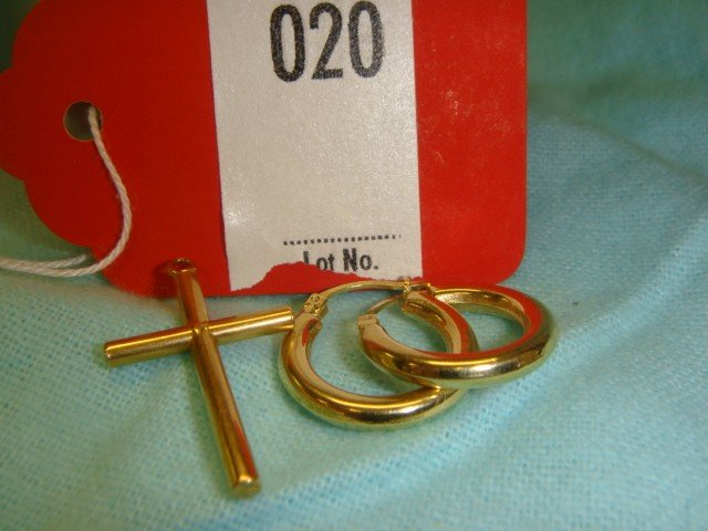 20: 18 K Gold Earrings & Cross