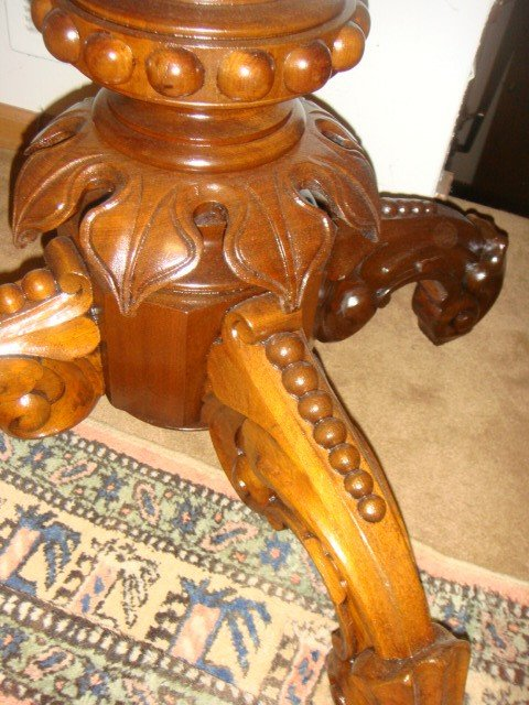 23: Victorian Oval Marble Top Parlor Table By Thomas Br - 3