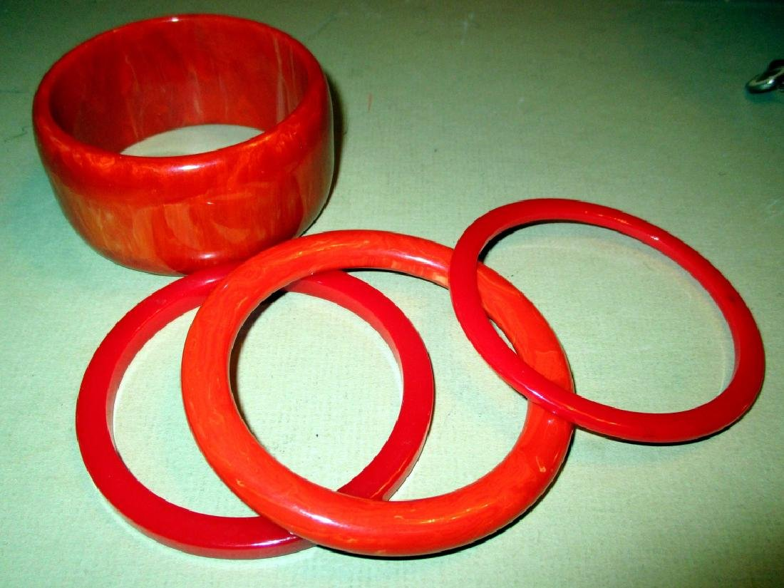 Four Vintage Bakelite Bangle Bracelets