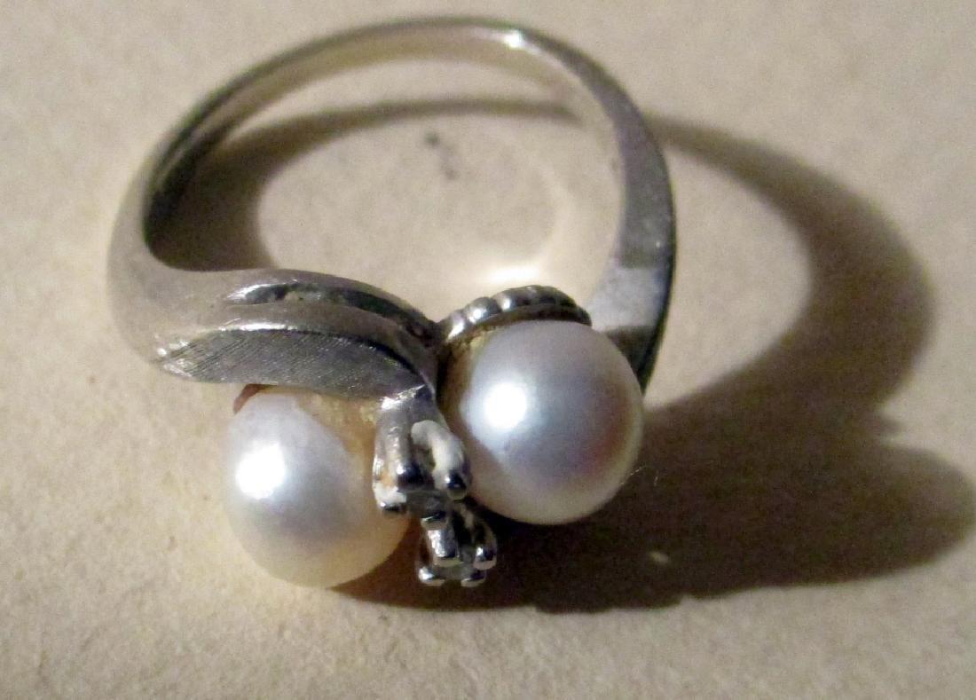 14K White Gold Lady's Ring w/ Diamonds & Pearls