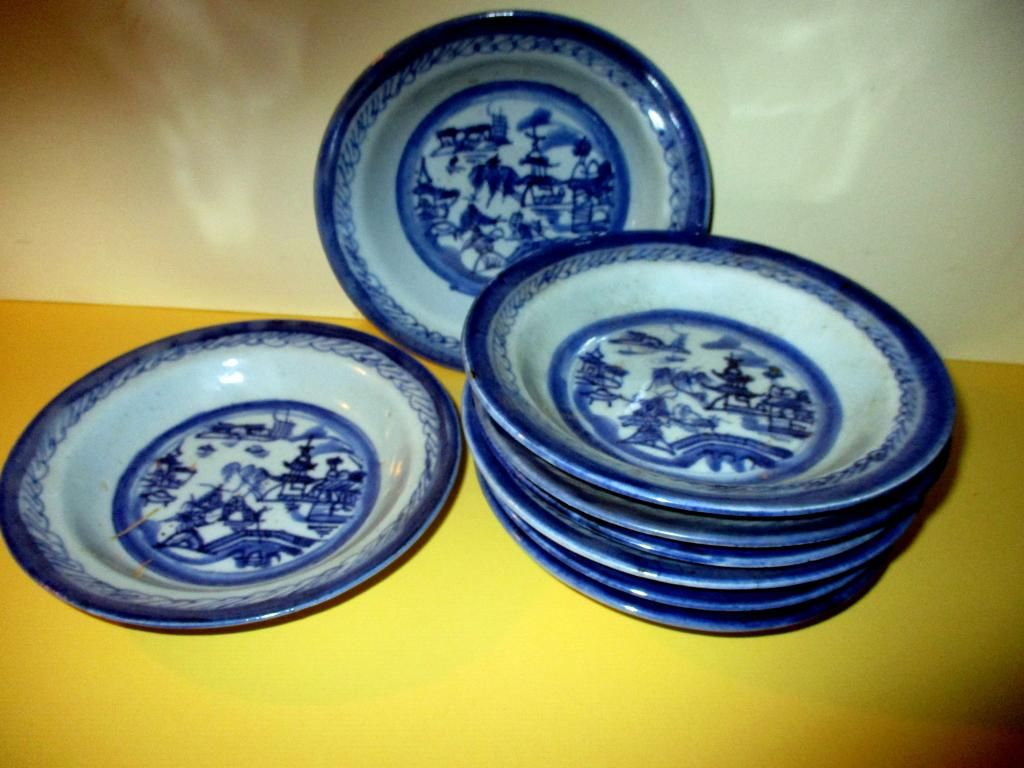 Set of 8 Antique Chinese Canton Soup Bowls