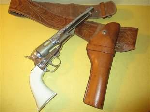 Hubley Toy Colt .45 Gun & Holster