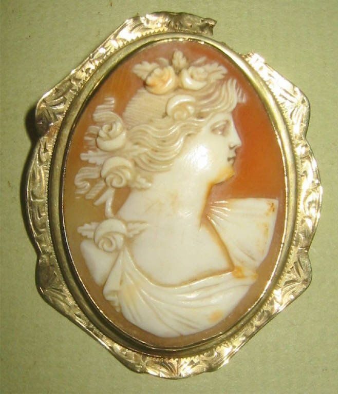 Victorian Cameo in 10k Gold