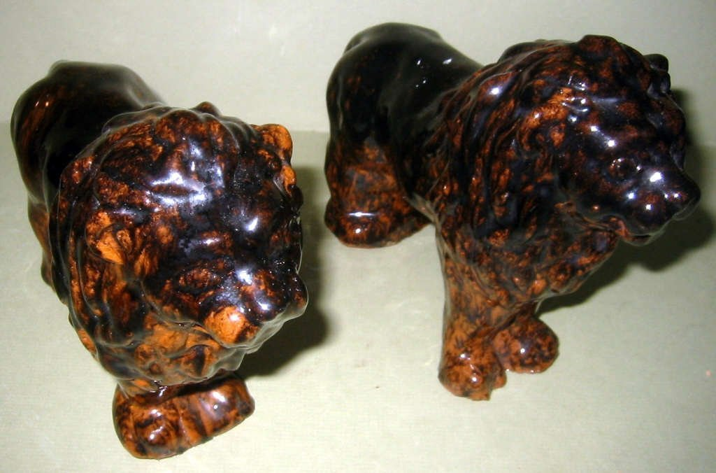 Pair of Glaze Pottery Lions