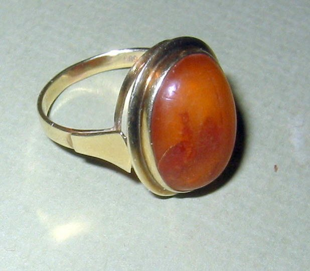 14k Gold and Amber Lady's Ring