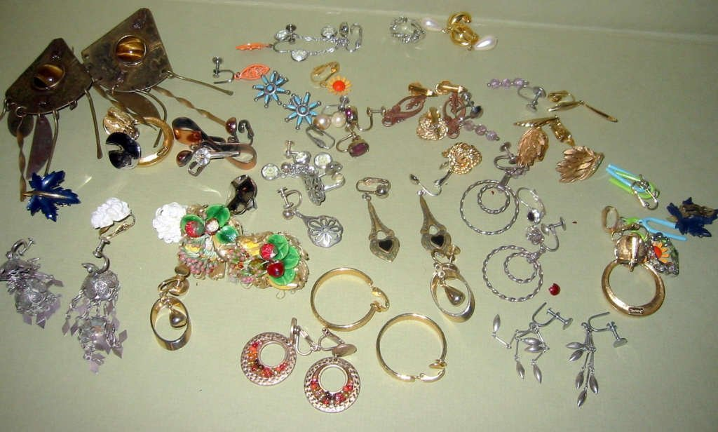 Miscellaneous Lot of Costume Jewelry Earrings