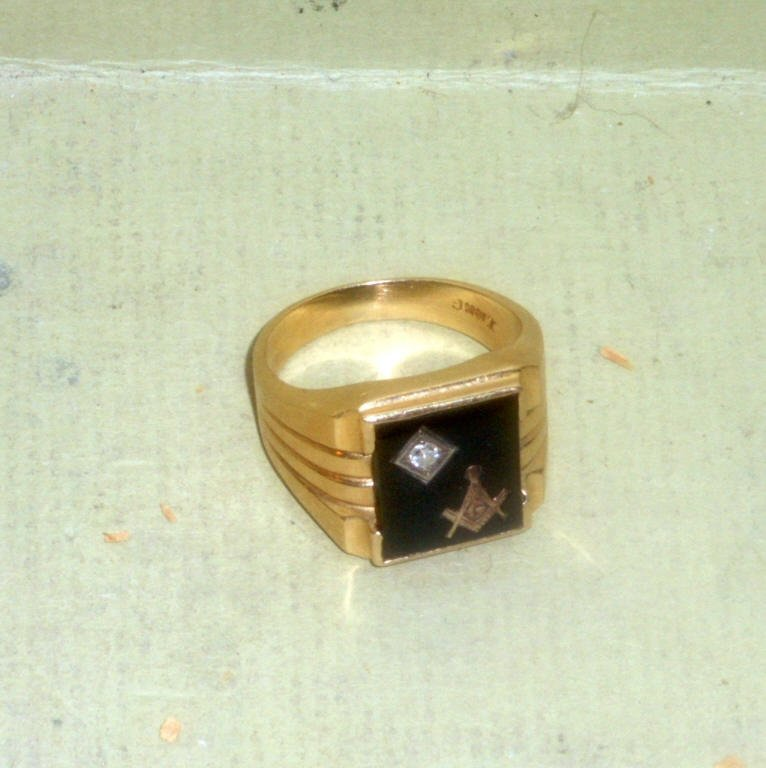 Masonic 14k Gold and Onyx Diamond Ring