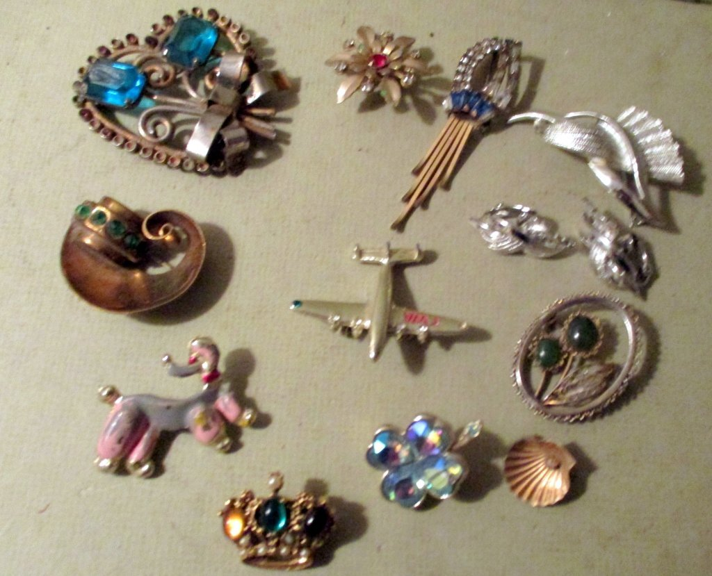 Lot of Vintage Brooches and Pins
