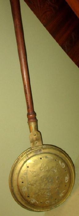 Antique Brass Bed Warming Pan