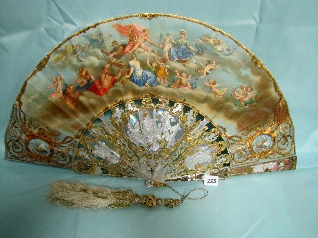 223: Another VERY RARE Victorian fan with MOP handle. h