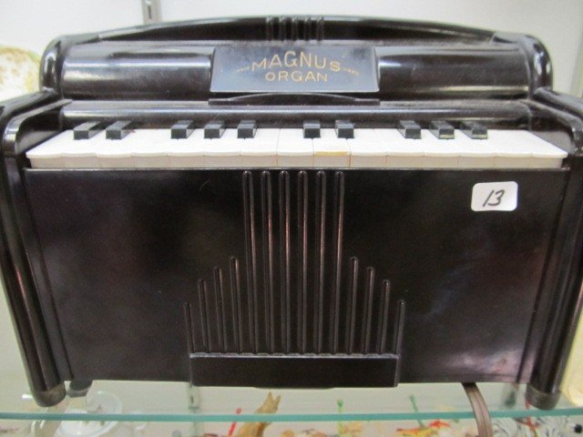 13: Mangus Organ. Nice and works has all papers