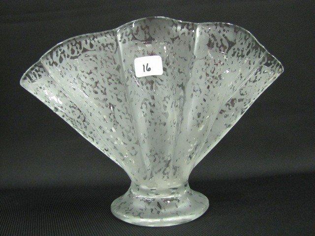 16: Fenton Ming ruffled fan vase mold 848