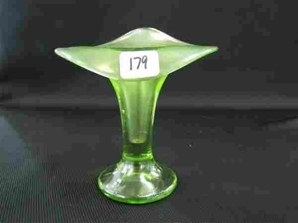 Fenton florentine green JIP vase