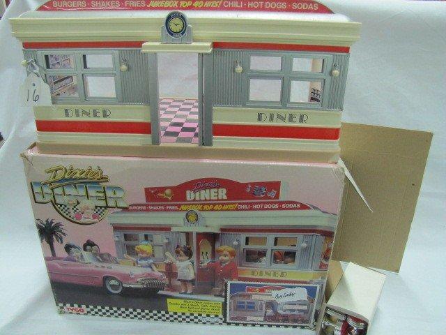 16: Dixie's Diner w/box