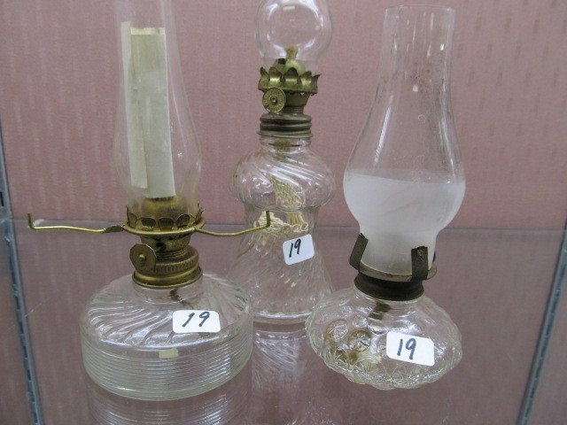 19: (3) Crystal Pattern Glass Mini Oil Lamps