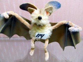 "114: RARE Steiff 4"" Bat with Silver Raised Button. A re"