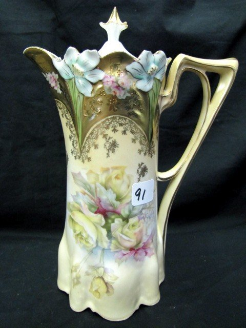 91: Very nice Lily mold floral chocolate pot w/ roses G