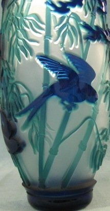 """146: """"Swallows in the Round"""" 9""""x 4"""" vase. 3-color, coba - 3"""