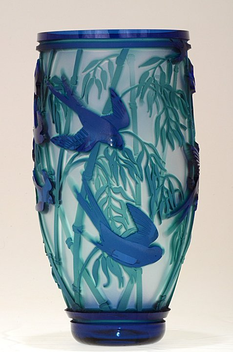 """146: """"Swallows in the Round"""" 9""""x 4"""" vase. 3-color, coba - 4"""