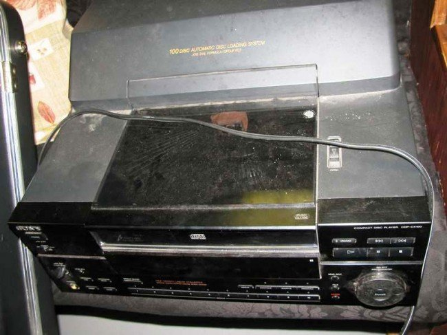 13: Sony 100 Disc Automatic Disc Loading System ~ CDP-C