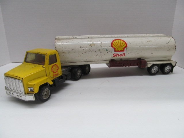 18 Toy Trucks : Vintage ertl shell wheeler tanker toy truck quot