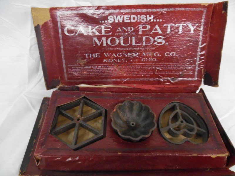 Vintage Wagner Ware Cake & Patty Moulds In Original Box - 4