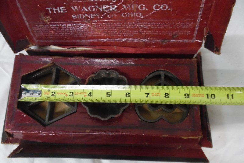 Vintage Wagner Ware Cake & Patty Moulds In Original Box - 6