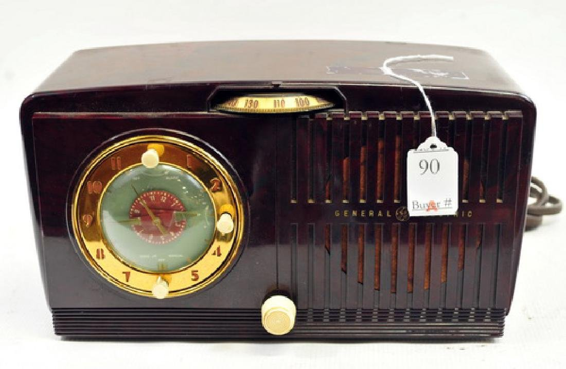 GE Art Deco Clock Radio and Alarm