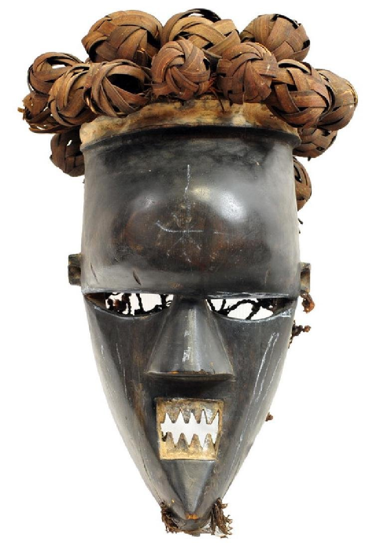 African Artifact Saslumpusu Mask From Congo