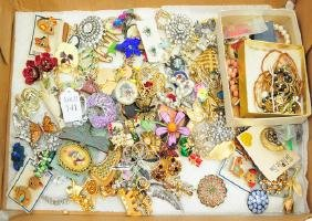 Estate Costume Jewelry Brooches Vintage