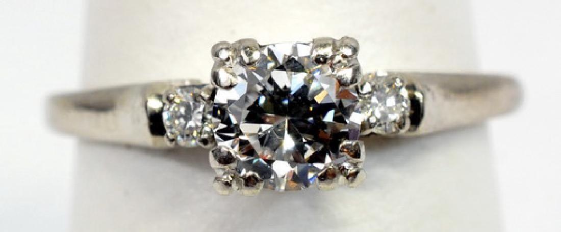 Ladies Antique Art Deco Platinum Diamond Ring