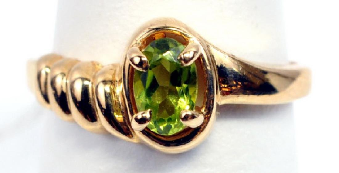 Ladies 14k Yellow Gold Peridot Ring Size 6