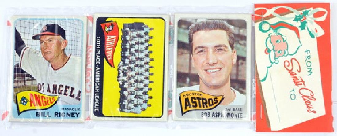 1965 Topps Christmas Rack Pack