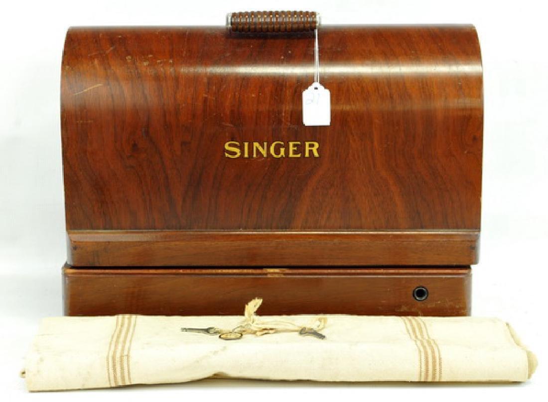 Antique Singer Sewing Machine In Oak Case