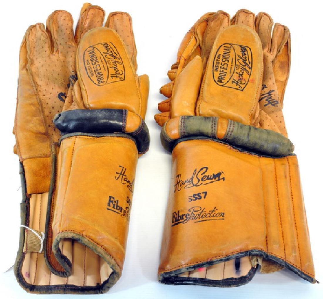Vintage Ice Hockey Gloves Model Sss7 - 2