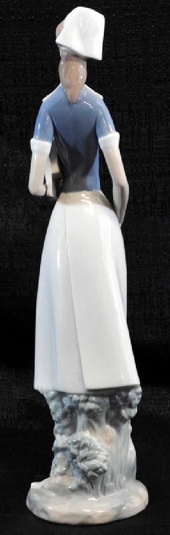 Lladro Nurse Figurine, Hand Made In Spain - 2