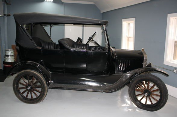 100H: 1923 Ford Model T Touring Car