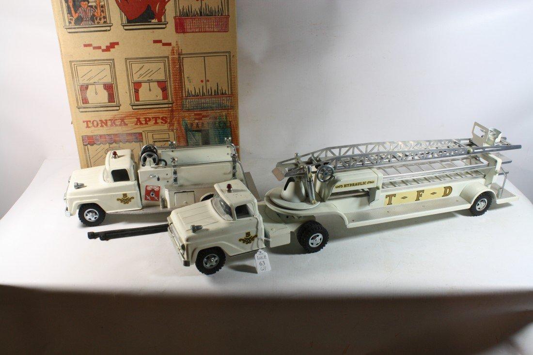 63: White Tonka Engine and Ladder truck in original box